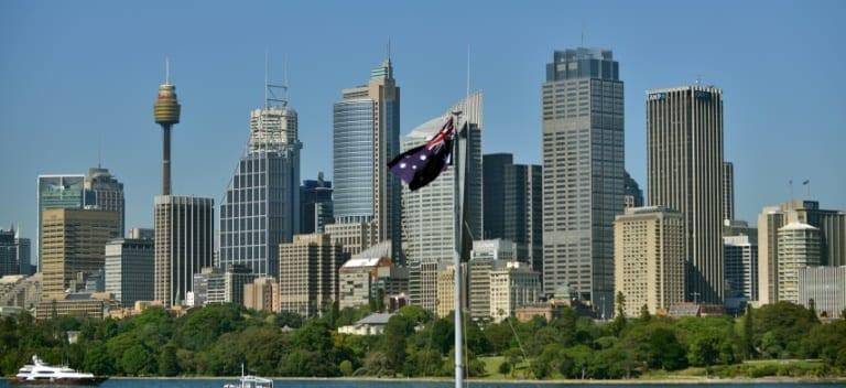 Australia 'losing $2.5 bn a week' in virus shutdown
